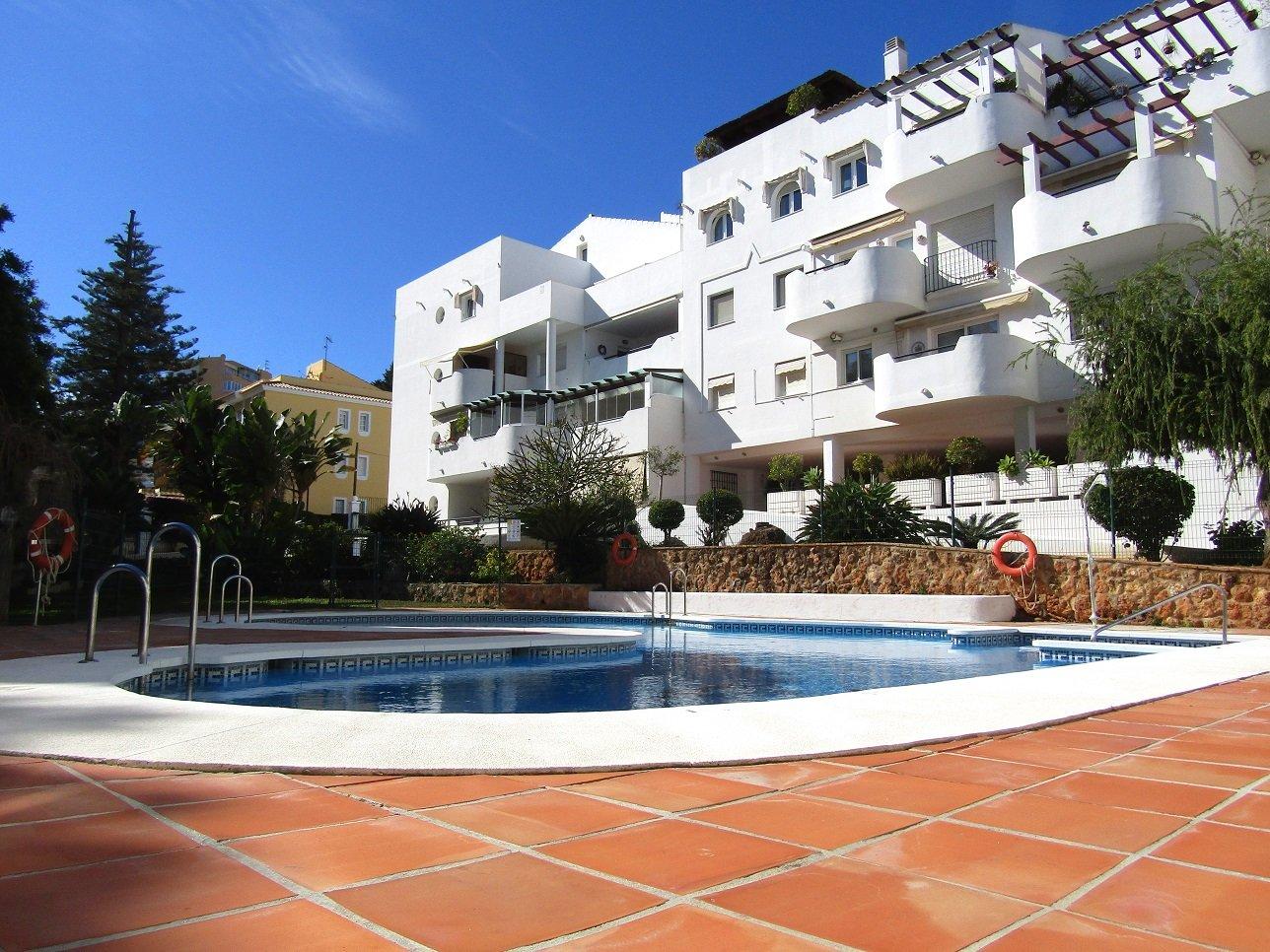 Conviene comprare o affittare casa in costa del sol for Comprare piscina